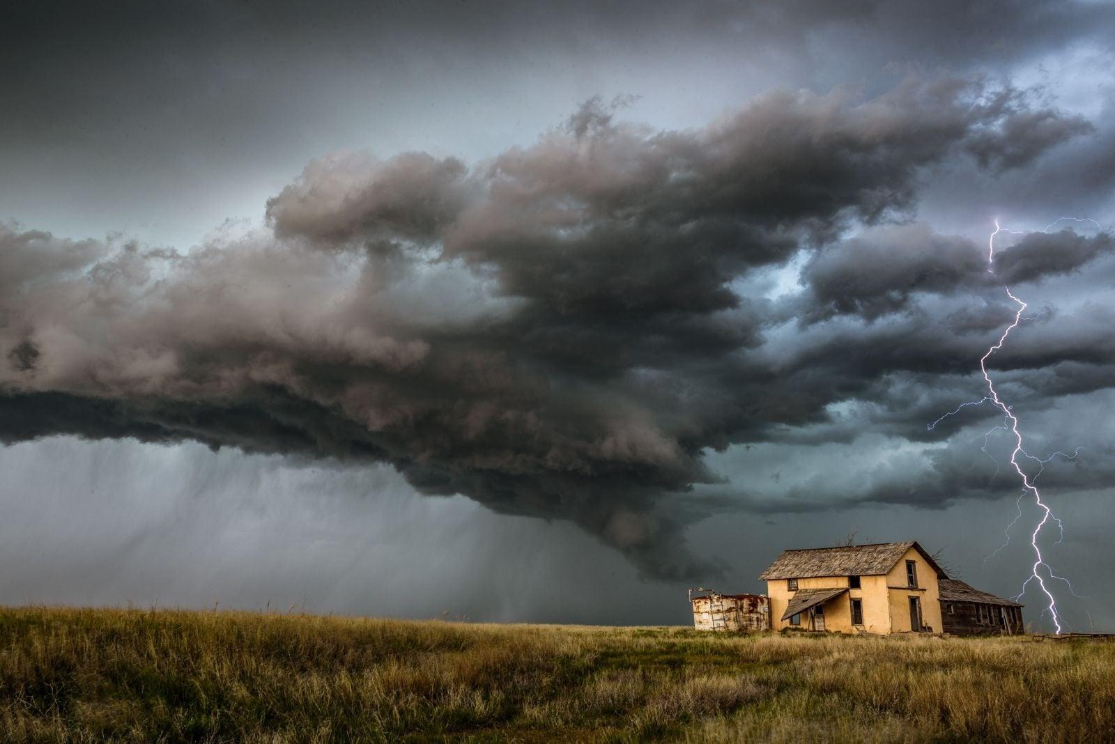 در آب و هوای نامساعد، چگونه عکاسی کنیم؟