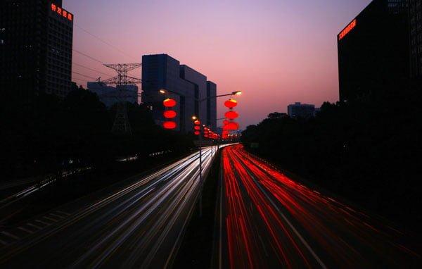 آموزش عکاسی نوردهی طولانی یا لانگ اکسپوژر با دوربین موبایل + نکات نقاشی با نور با موبایل