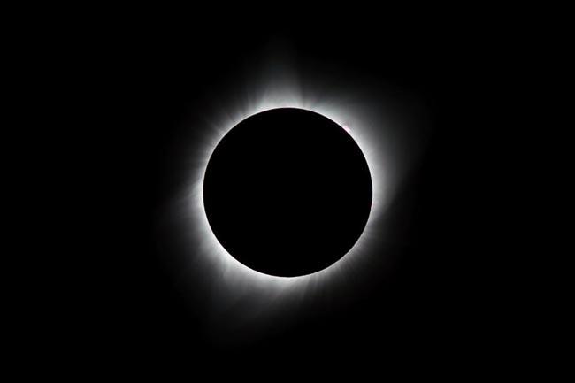 چگونگی عکاسی از خورشید گرفتگی