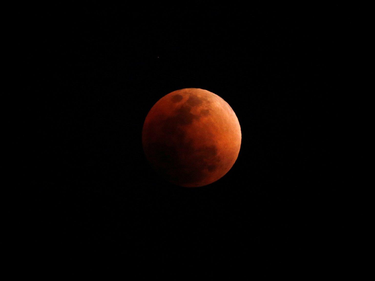 چگونه با گوشی موبایل از ماه گرفتگی عکس بگیریم؟
