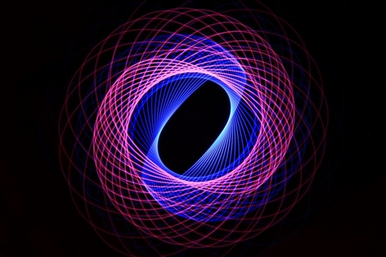با تکنیک فیزیوگرام دنیایی پر از نور بسازید