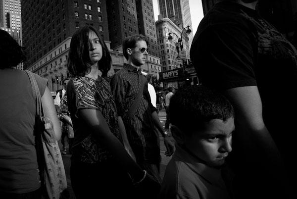چگونه (همیشه) عکس های خیابانی شارپ بگیریم