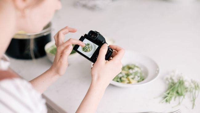 چگونه ولاگر شویم – 10 نکته طلایی برای راه اندازی ویدئو بلاگ