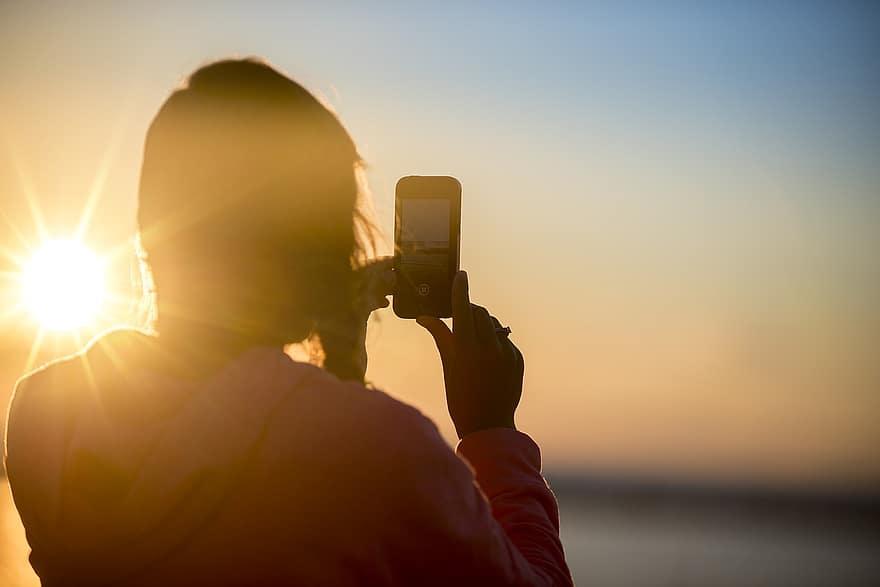 موبایل گرافی : آموزش عکاسی با موبایل و نکات کلیدی که باید بدانید